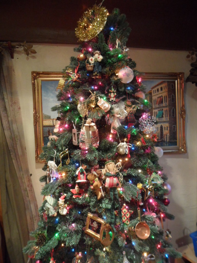 Why do we have christmas decorations on a tree - When I Was Growing Up New Year S Day Was Special It Was A Day We Didn T Have To Go To School Or Do Anything My Siblings And I Would Spend All Morning